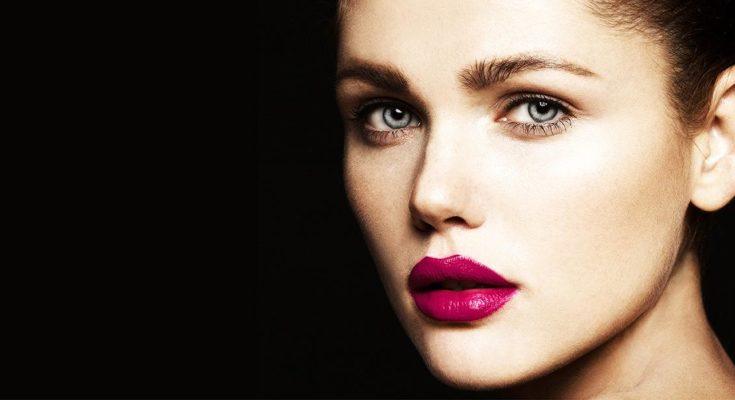 Top 6 Benefits Of Hiring The Best Makeup Artist